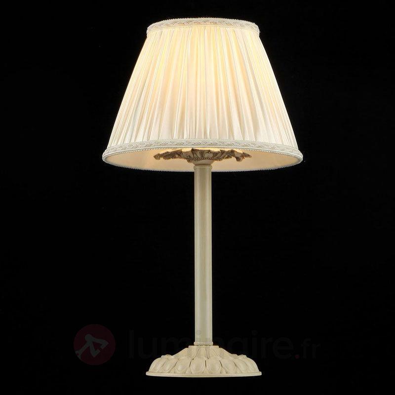Lampe à poser Olivia avec abat-jour en satin crème - Lampes à poser en tissu