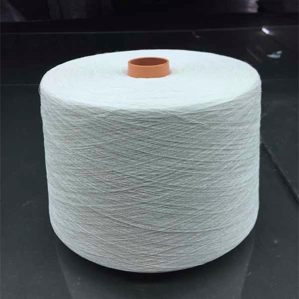 Long hemp half bleached yarn - 28Nm