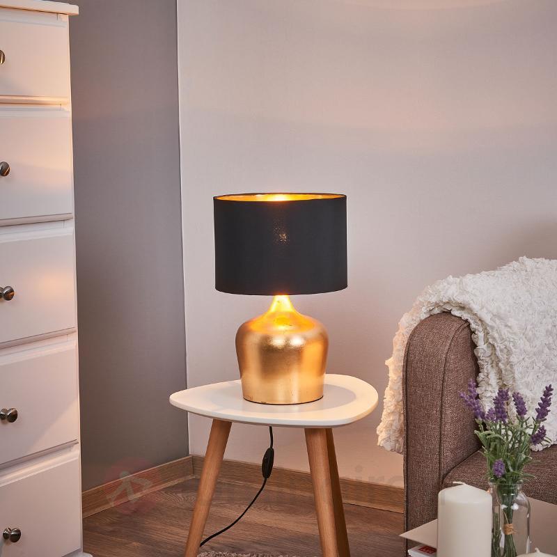 Gracieuse lampe de table Manalba - Lampes à poser en tissu