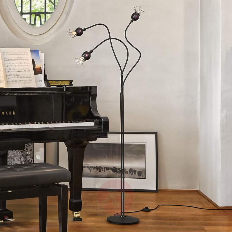 Designer floor lamp Poppy with a certain extra - design-hotel-lighting