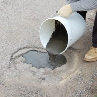 Réparation nid de poule - Mortier Spécial Route 25 kg Platoir de 28 cm x 12 cm