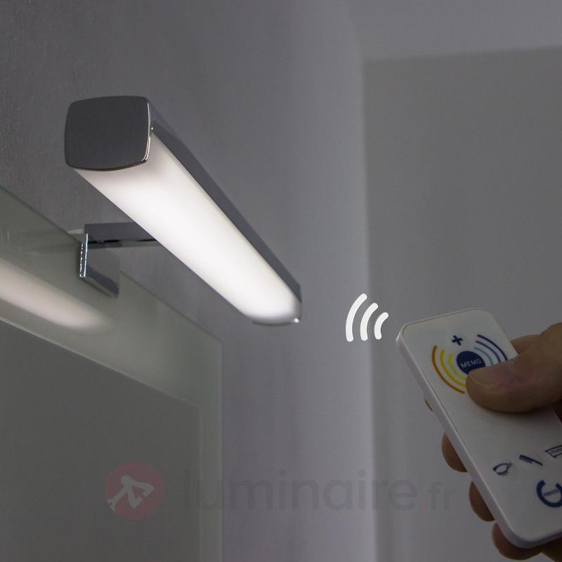 Applique pour miroir LED Ruth à lumière réglable - Salle de bains et miroirs