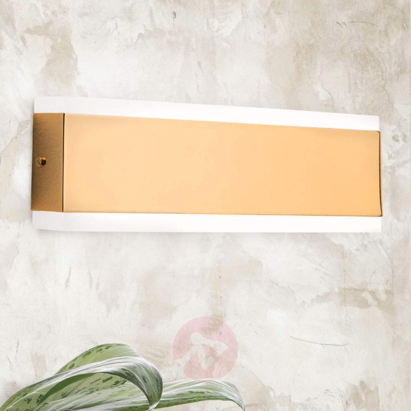 Garik - LED wall lamp with gold body - indoor-lighting