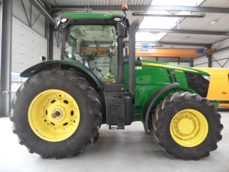 Tractors - JOHN DEERE 7215 R