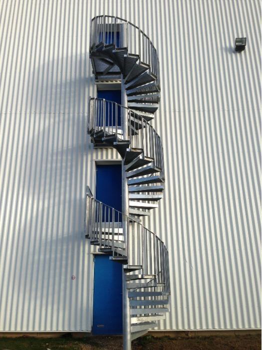 Escalier hélicoïdal - Fabrication sur-mesure selon vos besoins