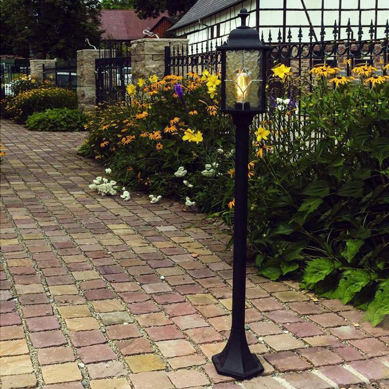 Cabrera path light with nostalgic charm - Path and Bollard Lights