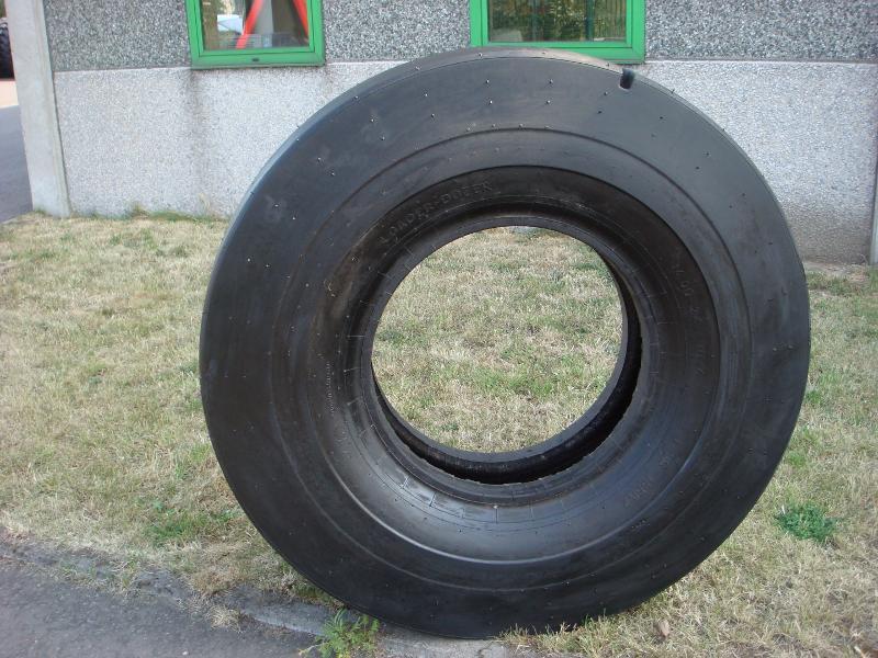 Truck tyres - REF. 1400X24.DNE.NT4