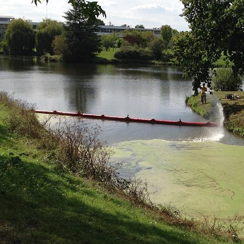 Barrage pour confiner les lentilles d'eau - Barrage anti-pollution et barrage filtrant