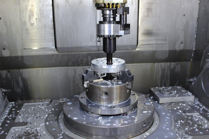 Broaching unit LinA AXIAL for machining centers - Driven broaching units for all common CNC machinig centers