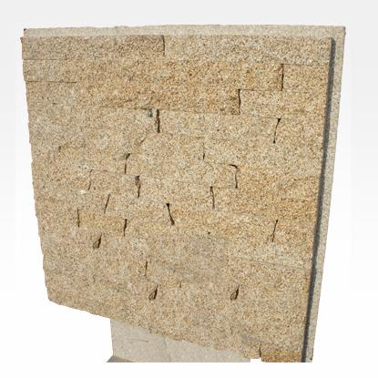 Murs en granit et pierre naturelle MR3 - Bandes granit pour murs, 4 faces sciées 2 faces éclatées.