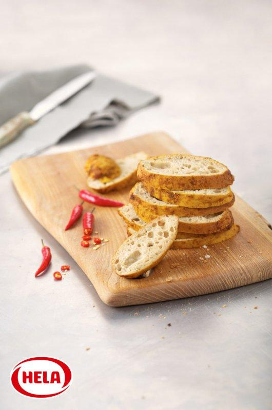 Hela Bread topping Hot Fire Tabasco® - Oil-based seasoning marinades to spread on bread and pastries