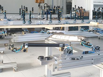 Tooling per Transfer Press - Tooling per Transfer Press per la movimentazione lamiera