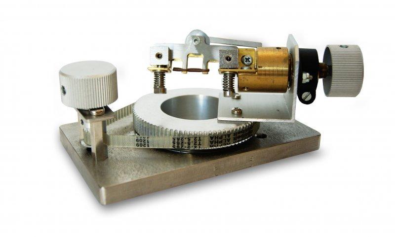 Dispositif d'alignement d'échantillons - Disposition simple et précise des échantillons de câbles