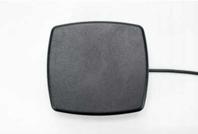 Screwable Flat Antenna with 1 Cable - Cel: FME/F 2500 (mm) RG174U cable WiFi/BT: FME/F 2500 (mm) RG174 cable