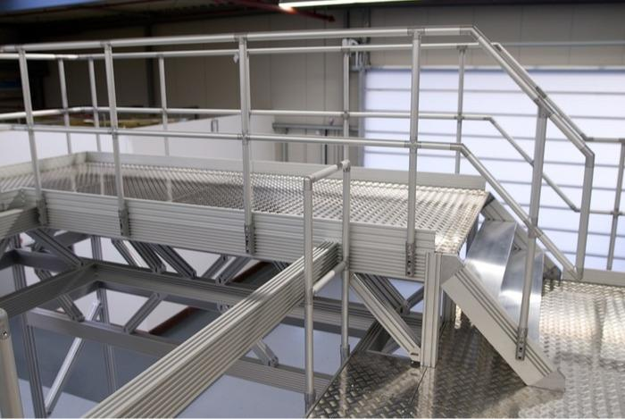ITAS – Sistema industriale di scale e palchi da lavoro - Collegamento dei tubi estremamente semplice, senza fastidiose transizioni