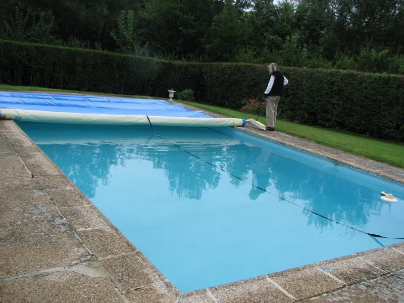 Piscine fabricant producteur entreprises for Enrouleur bache piscine rolltrot