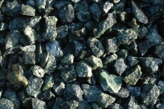 Grys ogrodwy - kamienie ogrodowe
