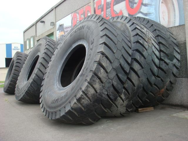 Truck tyres - REF. 3700R57.DCO.R11