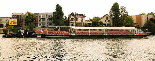 MANUTENTION FLUVIALE PARIS - remorquage fluvial seine par FLUVIAL SERVICE