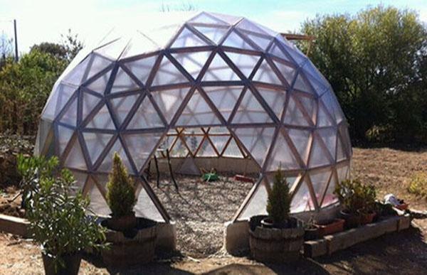 Domo Geodésico Invernadero - El domo multiuso tiene la ventaja de utilizar , placa de policarbonato o PVC