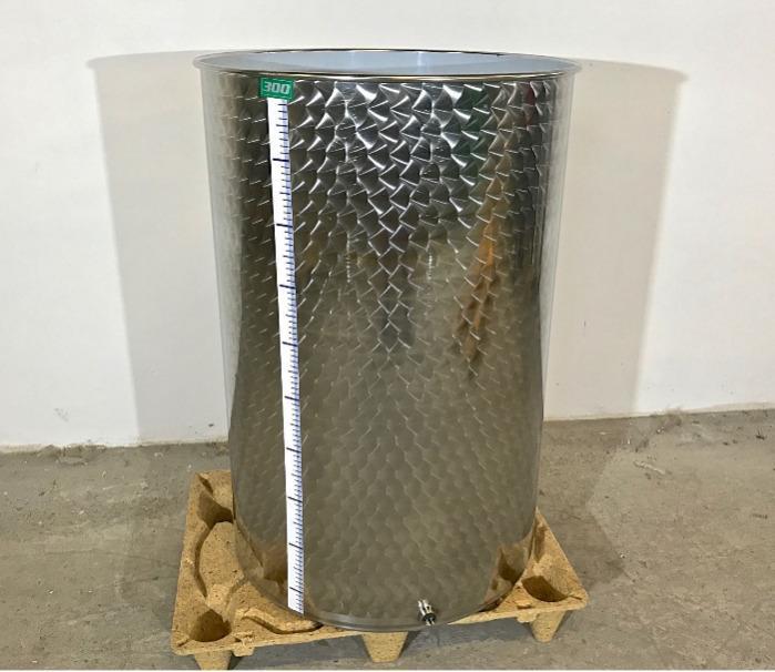 Depósito de acero inoxidable - 3 HL - Fondo plano - Tapa flotante