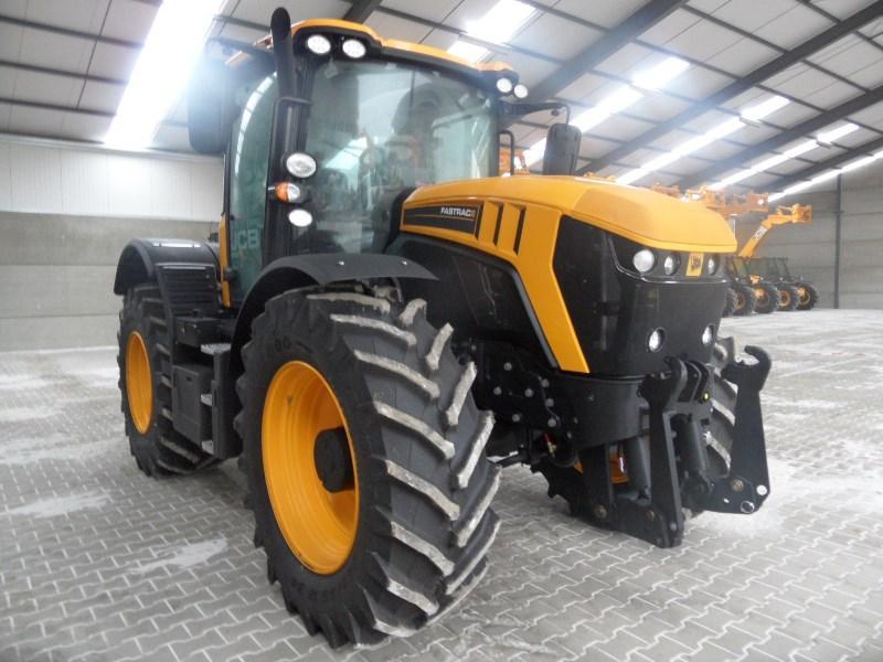 Tractors - JCB Fastrac 4220