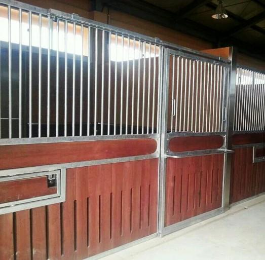 Black Powder Coated Galvanized Horse Stable - Customize Design European Style Horse Stall/Stable