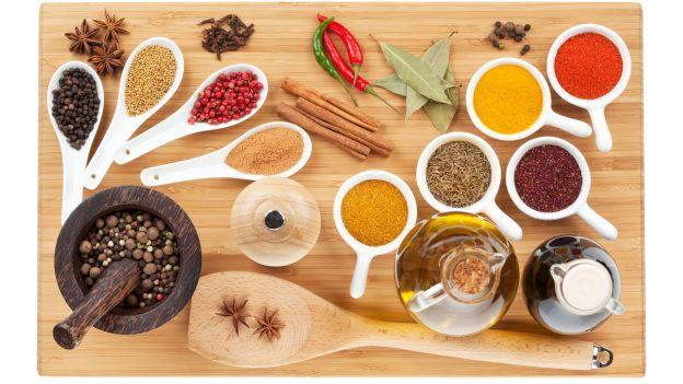 Le nostre Spezie - Spezie - Miscele di spezie - Curry - Pepi - Sali - Chili - Farine di frutta
