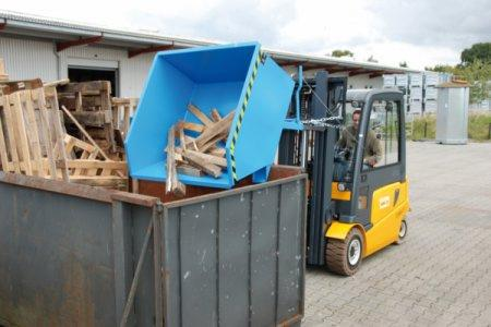 Tilting Container type GU, Forklift truck attachment - Container with fork sleeves and emptying mechanism