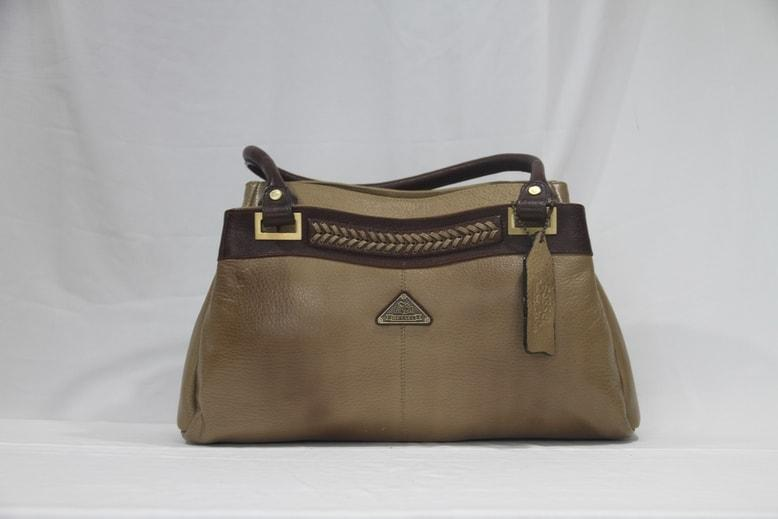 Pure leather shoulder bag from Morbido