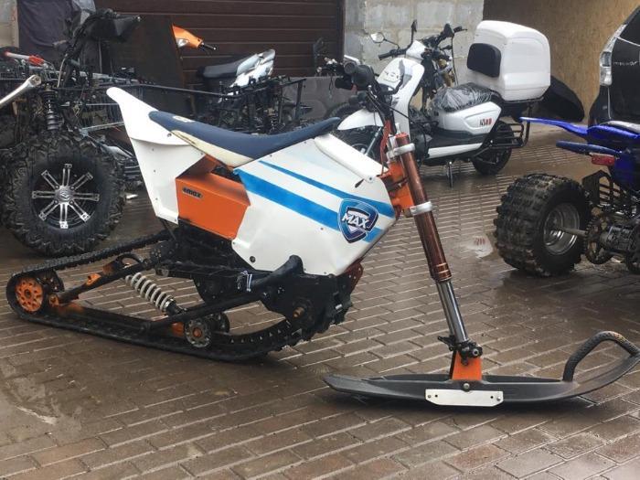 Elektrischer Motorschlitten  - Leistungsstarkes elektrisches Snowbike-Schneemobil