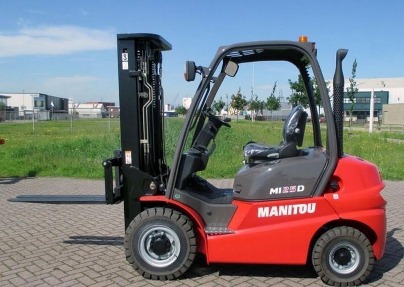 L003-1 Forklift - Lift Equipment