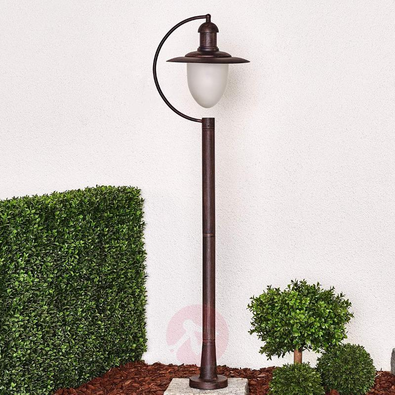 Antique-looking Cottage path light - Path and Bollard Lights