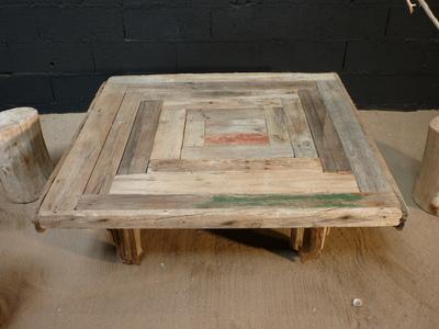 table basse en planches de bois flott tables en bois flotte deco nature france. Black Bedroom Furniture Sets. Home Design Ideas