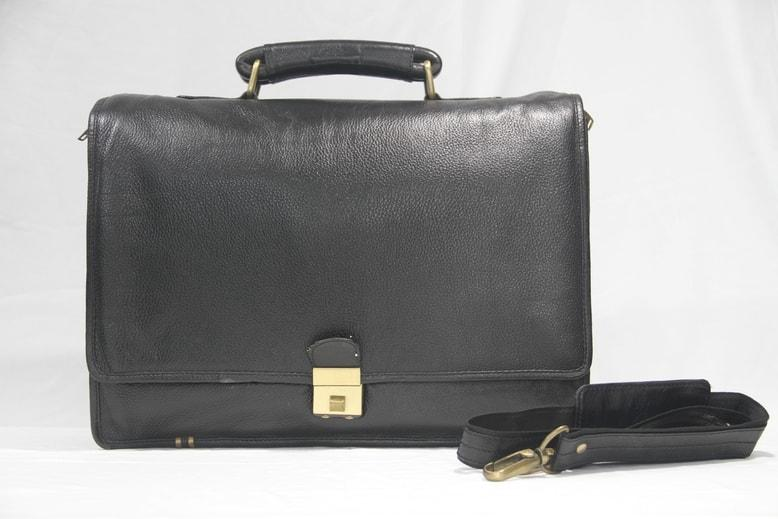 Full flap laptop bag for professional look