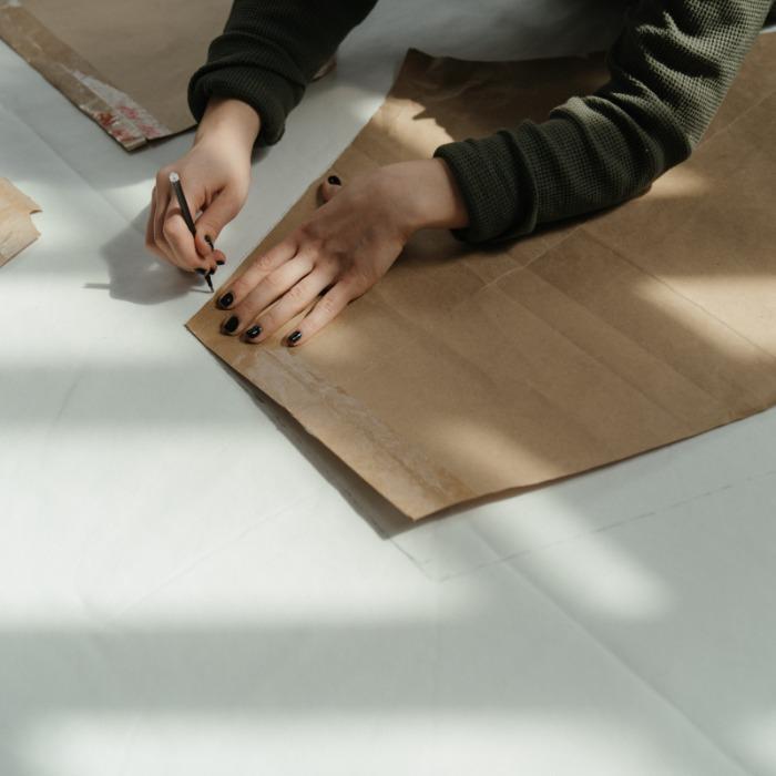 样板设计 - 基于草图、照片和参考样本对样板进行设计与级放