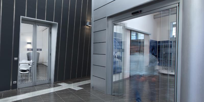 Automatische vouwdeuren - Schuifdeursystemen