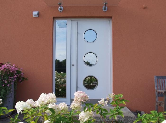 Portholes - in Stainless Steel and Aluminium