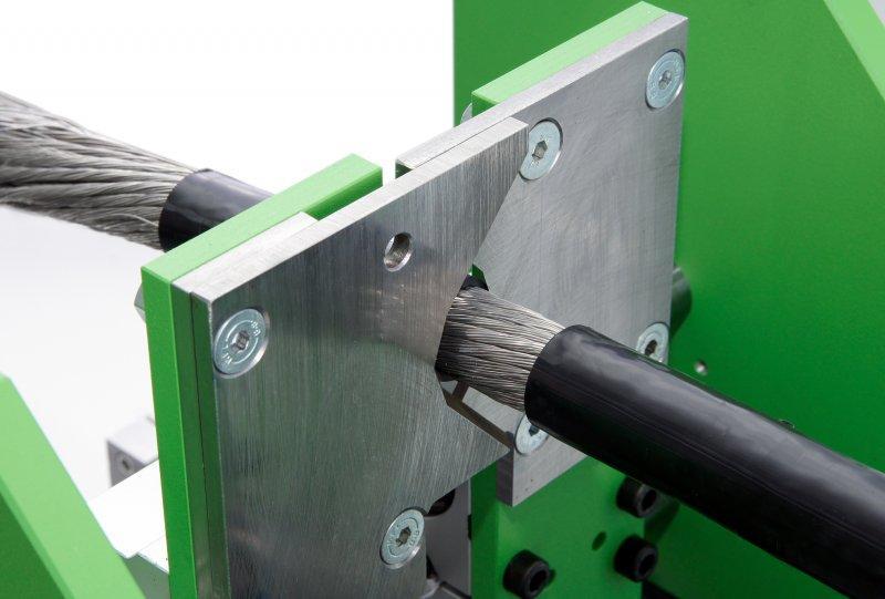 Cable Stripper CS100 - Trennung von Kabelmantel /-isolierung und elektrischem Leiter