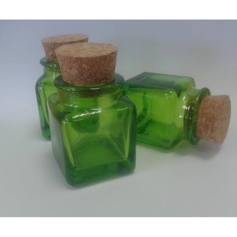 Lot de 12 mini bocaux Verts Carrés 30 ml en verre 100% recyclé - Bocaux en Couleur