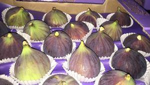 figs - fresh figs