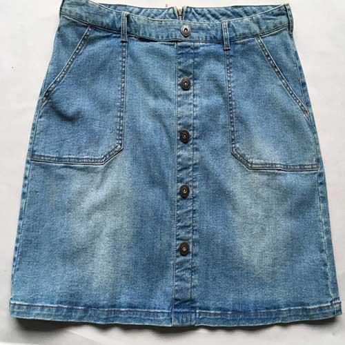 الدينيم تنورة قصيرة -