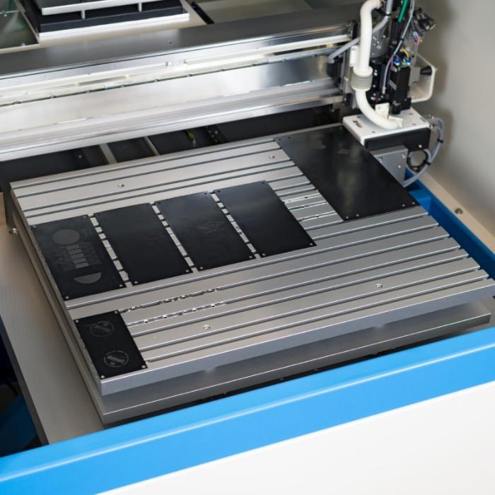 CLICHE LASER Xi Laser System - Flatbed cliché laser for INTAGLIO laser clichés.