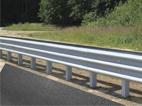 Барьерные дорожные ограждения - Барьерные дорожные ограждения, в том числе и с цинковым покрытием.