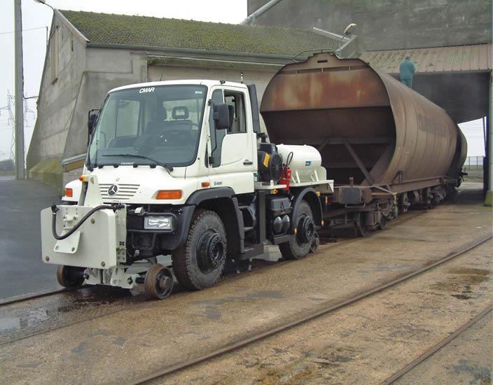 Véhicule Rail-Route - UNIMOG Traction