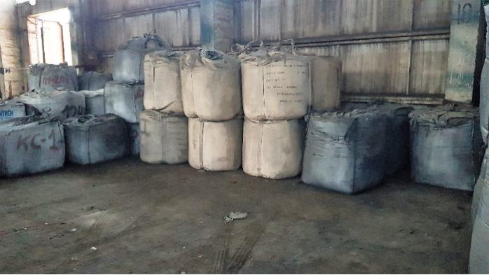 Screening of charcoal for BRIQUETES - Nonmetallics