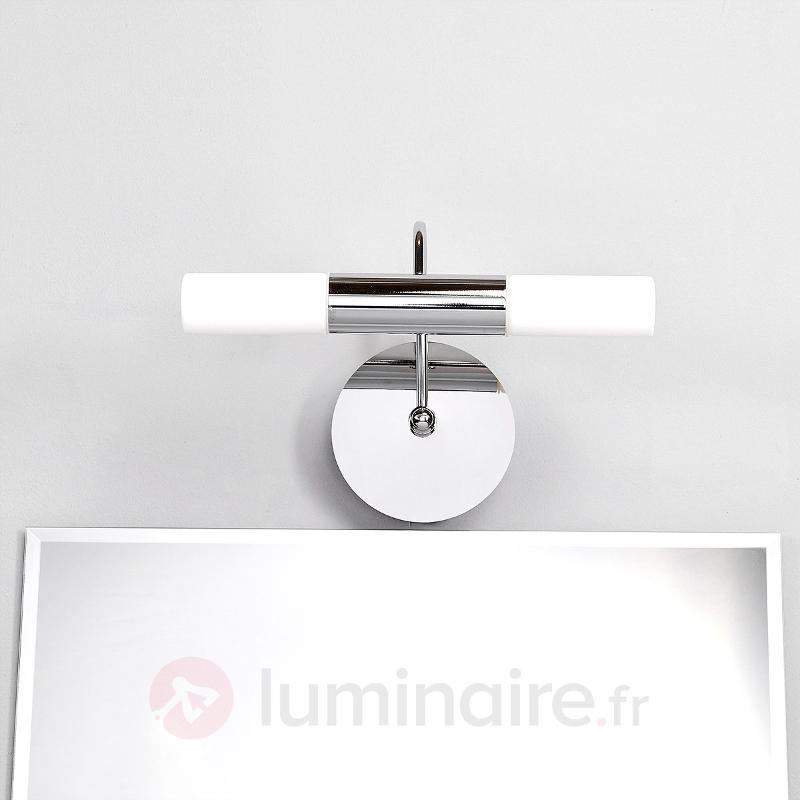 Applique courbée LED Benaja pour la salle de bains - Salle de bains et miroirs