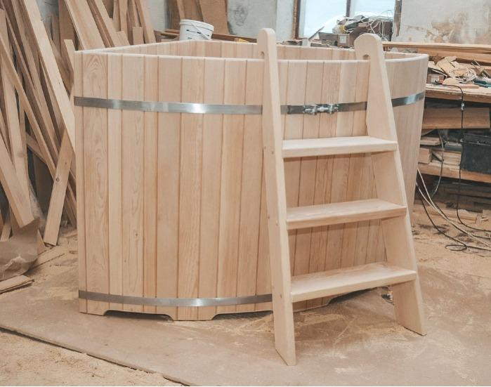 Ванна купель для бани угловая Кедр Сибирский - деревянная ванна купель кедровая под заказ