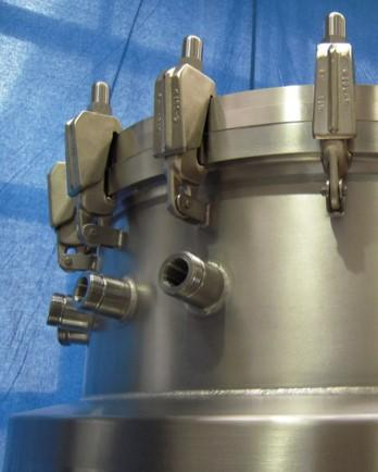 Biotech pressure vessels, containers - Minimal dead space constructed with fully welded insulating shells