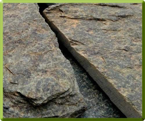 Serpentino verde - Il serpentino verde è una bella pietra particolare, con varie tonalità sul verde